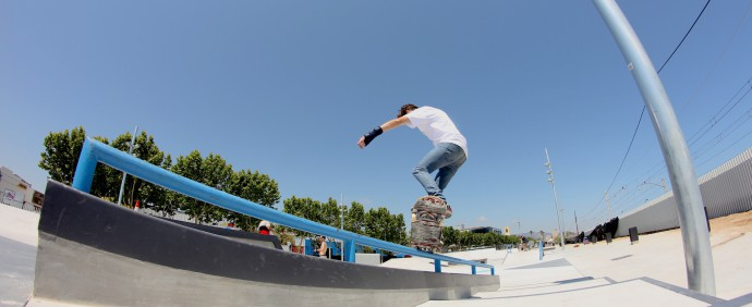 Cristian Dedeu - Frontside crooked
